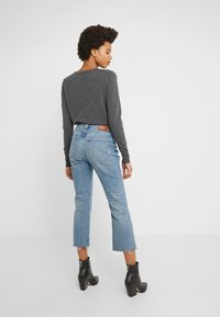 J.CREW - POINT SUR KICKOUT CROP  - Flared jeans - faded blue wash - 2