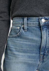 J.CREW - POINT SUR KICKOUT CROP  - Flared jeans - faded blue wash - 3