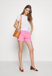J.CREW - Shorts - larkspur pink - 1