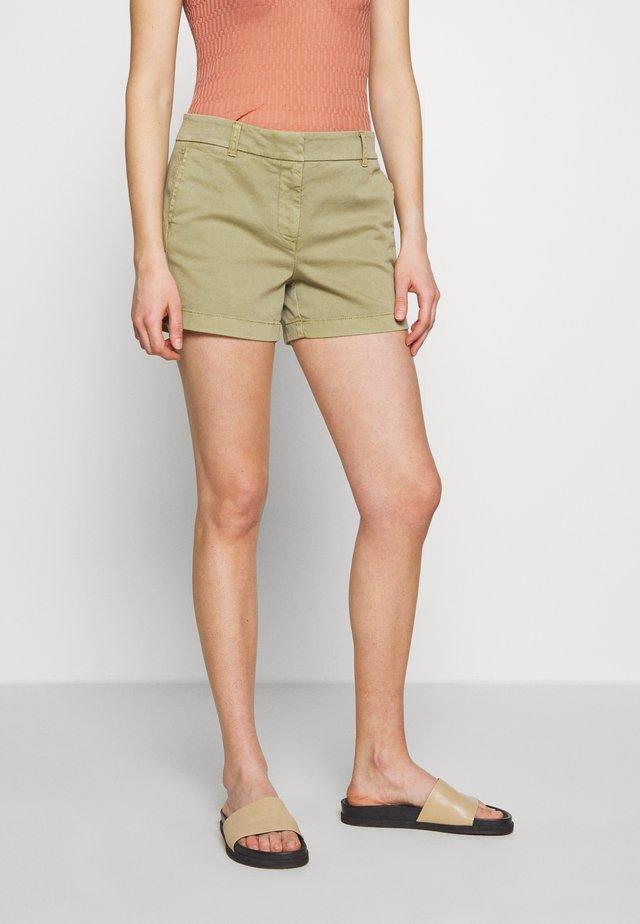 Shorts - olive sand