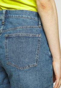 J.CREW - HIGH RISE - Denim shorts - medium faded indigo - 3