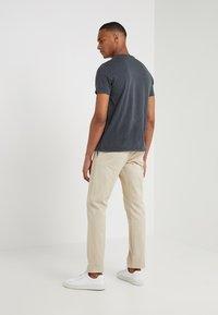 J.CREW - PANT STRETCH - Pantalon classique - beige - 2