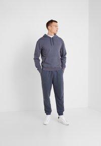 J.CREW - Pantalon de survêtement - heather navy - 1