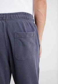 J.CREW - Pantalon de survêtement - heather navy - 5