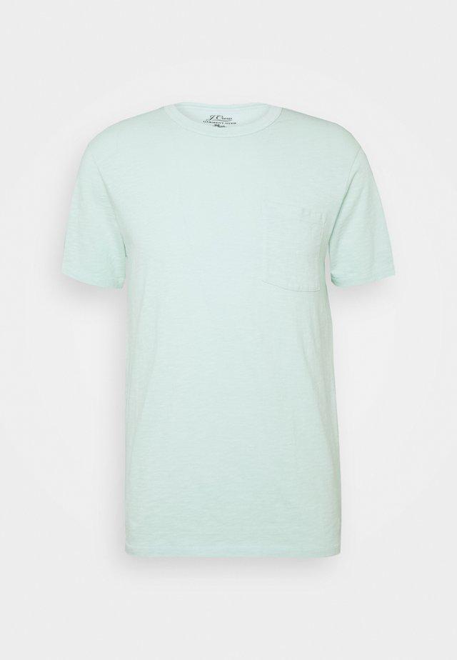 GARMENT DYE POCKET CREW - T-shirt basic - misty spearmint