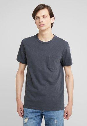 GARMENT DYE POCKET CREW - T-Shirt basic - black