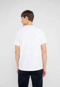 J.CREW - BROKEN IN CREW - T-Shirt basic - white - 2