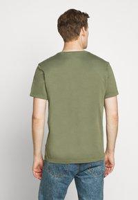 J.CREW - BROKEN CREW - Basic T-shirt - vintage surplus - 2