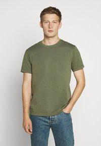 J.CREW - BROKEN CREW - Basic T-shirt - vintage surplus - 0