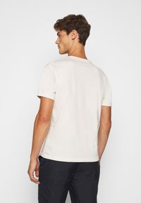 J.CREW - GARMENT DYE HENLEY - T-shirt basic - natural - 2