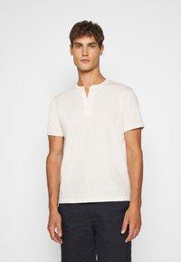 J.CREW - GARMENT DYE HENLEY - T-shirt basic - natural - 0