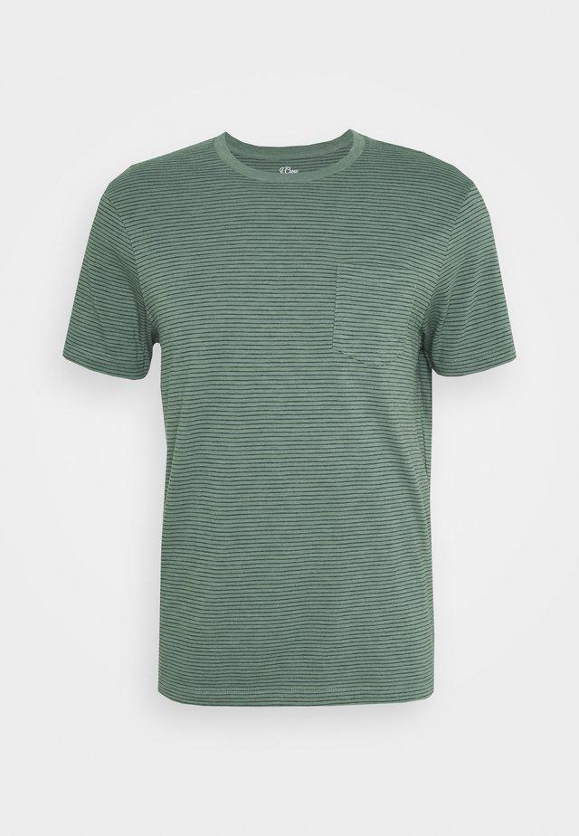 SLUB JERSEY BARTLETT STRIPE TEE - T-Shirt print - baywood green bartlett stripe