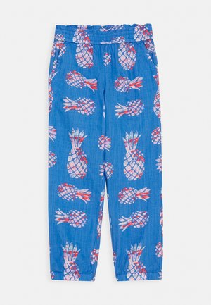 PINEAPPLE BEACH PANT - Trousers - blue/pink