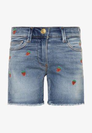 STRAWBERRY - Denim shorts - picnic wash