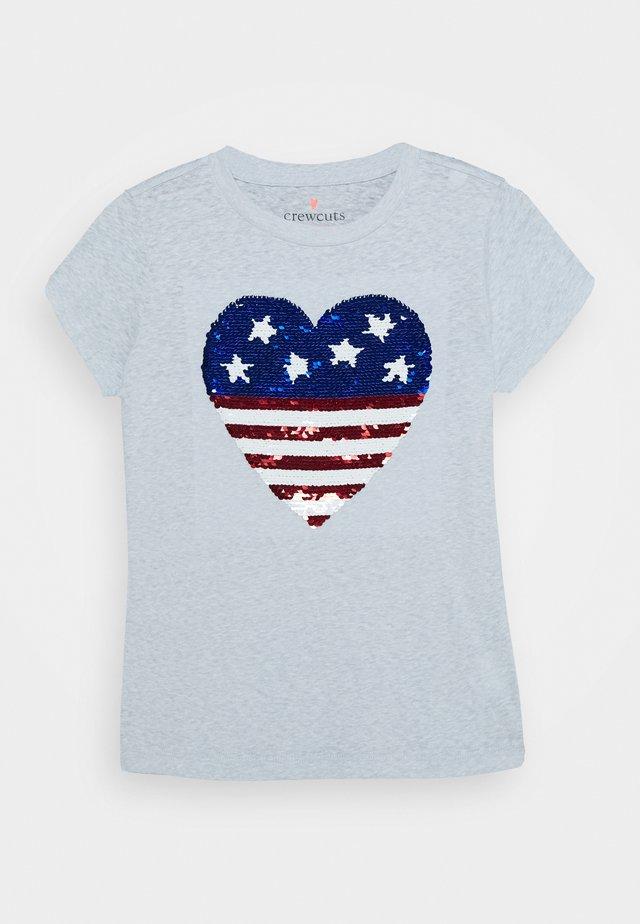 AMERICAN HEART TEE - Triko spotiskem - white
