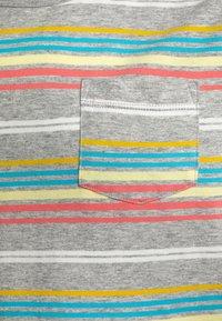 J.CREW - RAINBOW STRIPE - T-shirts print - grey/multicolor - 2