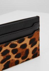 J.CREW - SLIP CARD CASE  - Lompakko - rich mahogany - 2