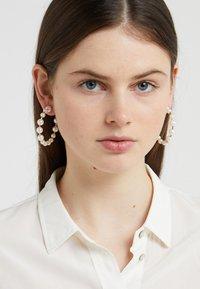 J.CREW - HOOP EARRINGS - Orecchini - pearl - 1