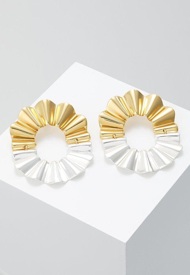 REFLECTED CRINKLE EARRINGS - Kolczyki - gold-coloured