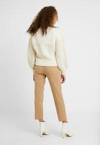 J.CREW PETITE - CAMERON PANT SEASONLESS STRETCH - Trousers - beige - 2