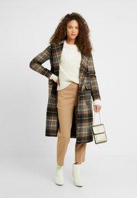 J.CREW PETITE - CAMERON PANT SEASONLESS STRETCH - Trousers - beige - 1