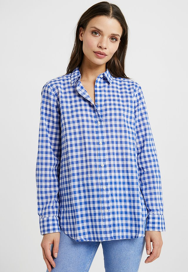 CLASSIC FIT BOY SHIRT IN CRINKLE GINGHAM - Skjortebluser - cobalt