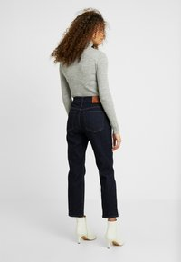 J.CREW PETITE - VINTAGE IN RESIN RINSE - Jeans Straight Leg - blue - 2