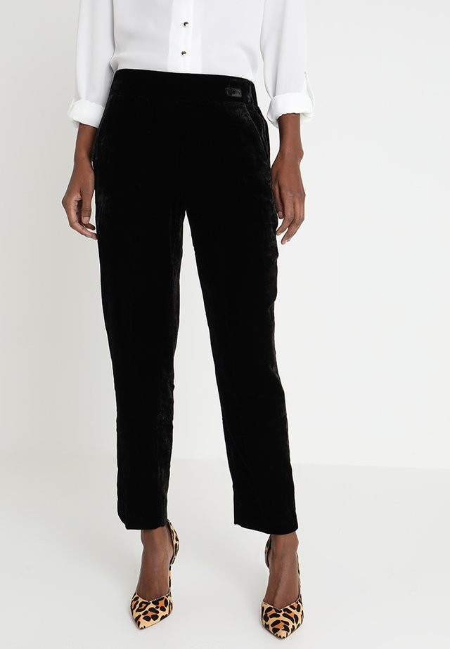 EASY PANT - Stoffhose - black