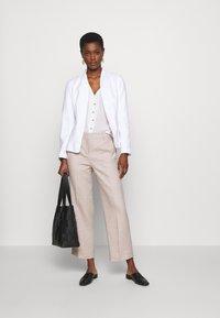 J.CREW TALL - EVERYBODY WIDELEG PANT TRAVELER - Trousers - beige - 1