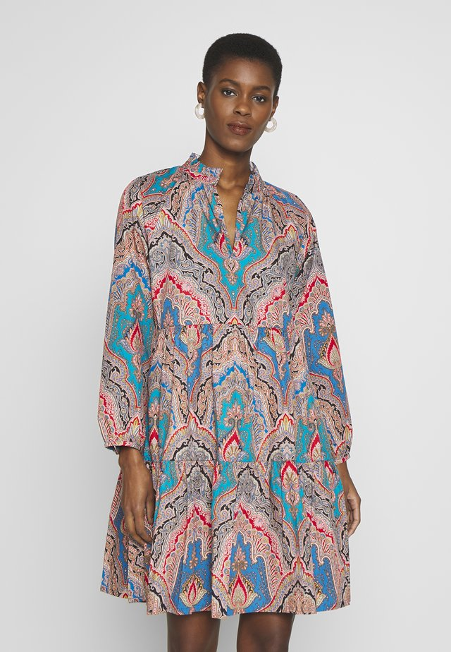 REBECCA DRESS RATTI POPLIN TALL - Vapaa-ajan mekko - celadon multi