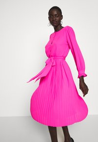 J.CREW TALL - SOLID CARLY DRESS - Paitamekko - neon flamingo - 3