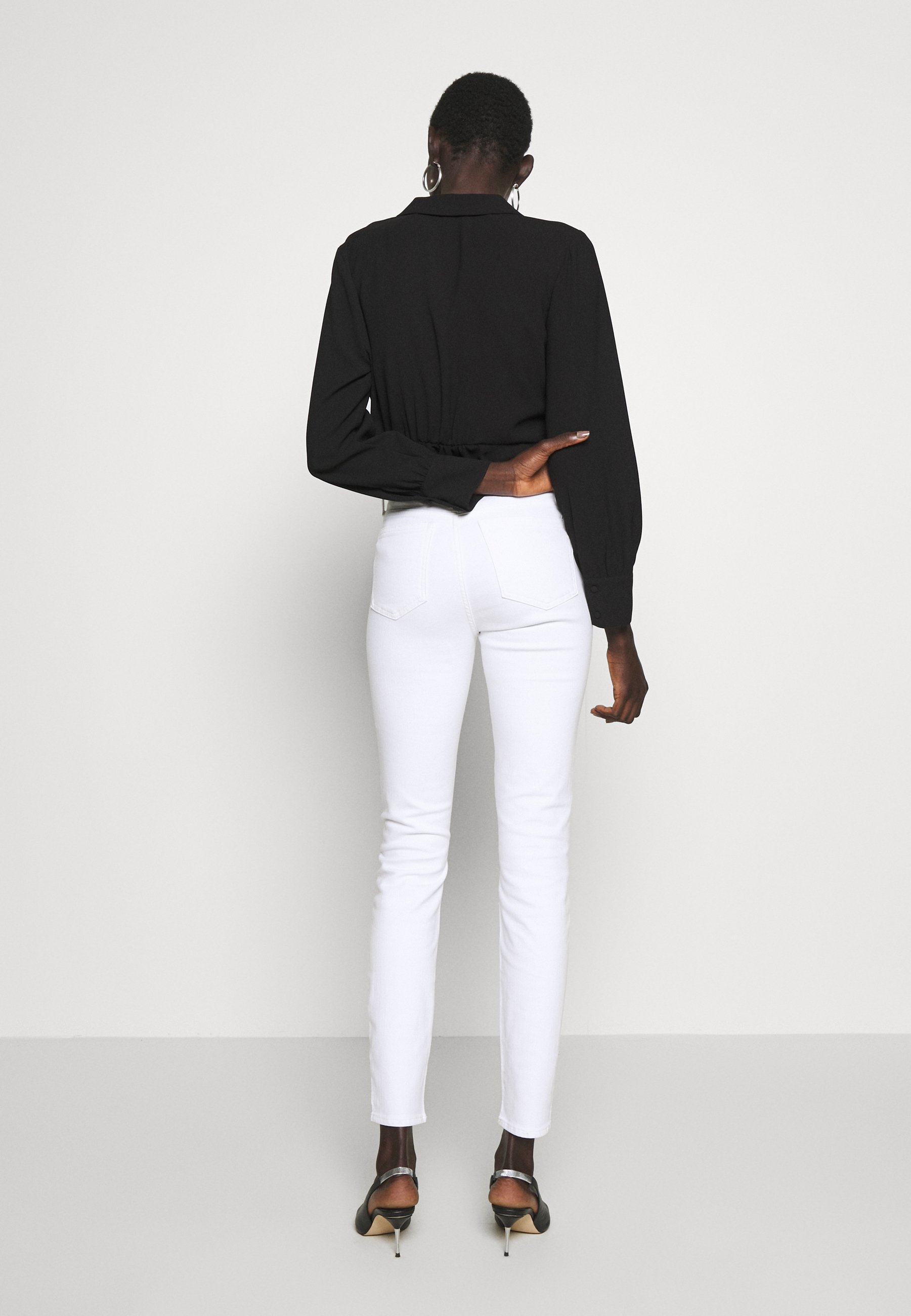J.CREW TALL LOOKOUT HIGH RISE - Jeansy Slim Fit - white