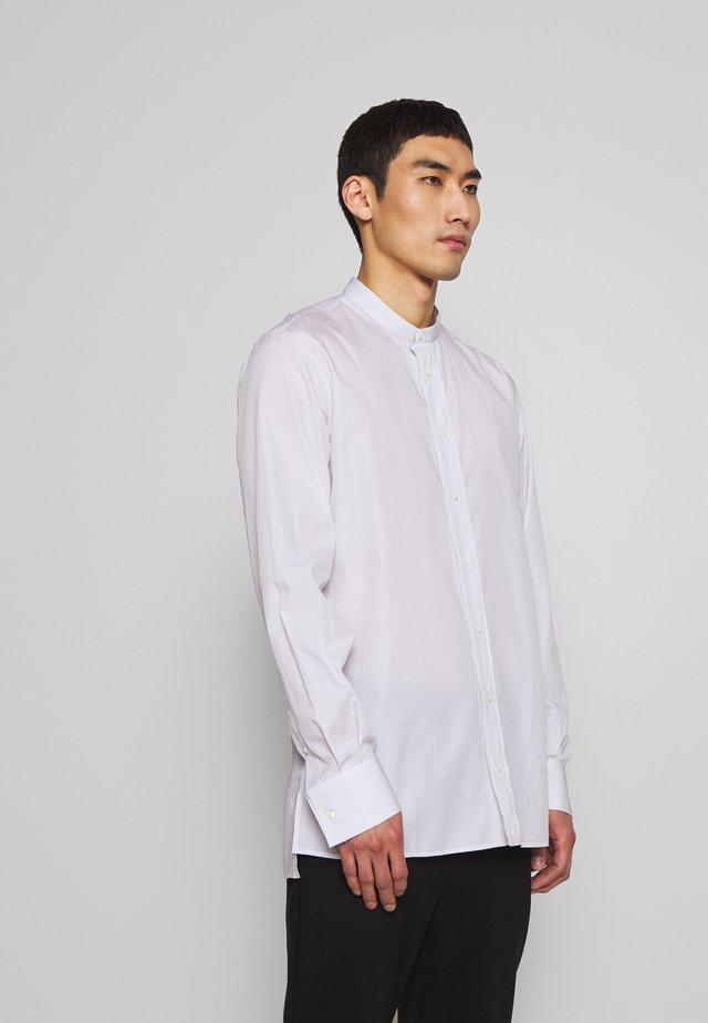 ARNIE PIN  - Koszula - white