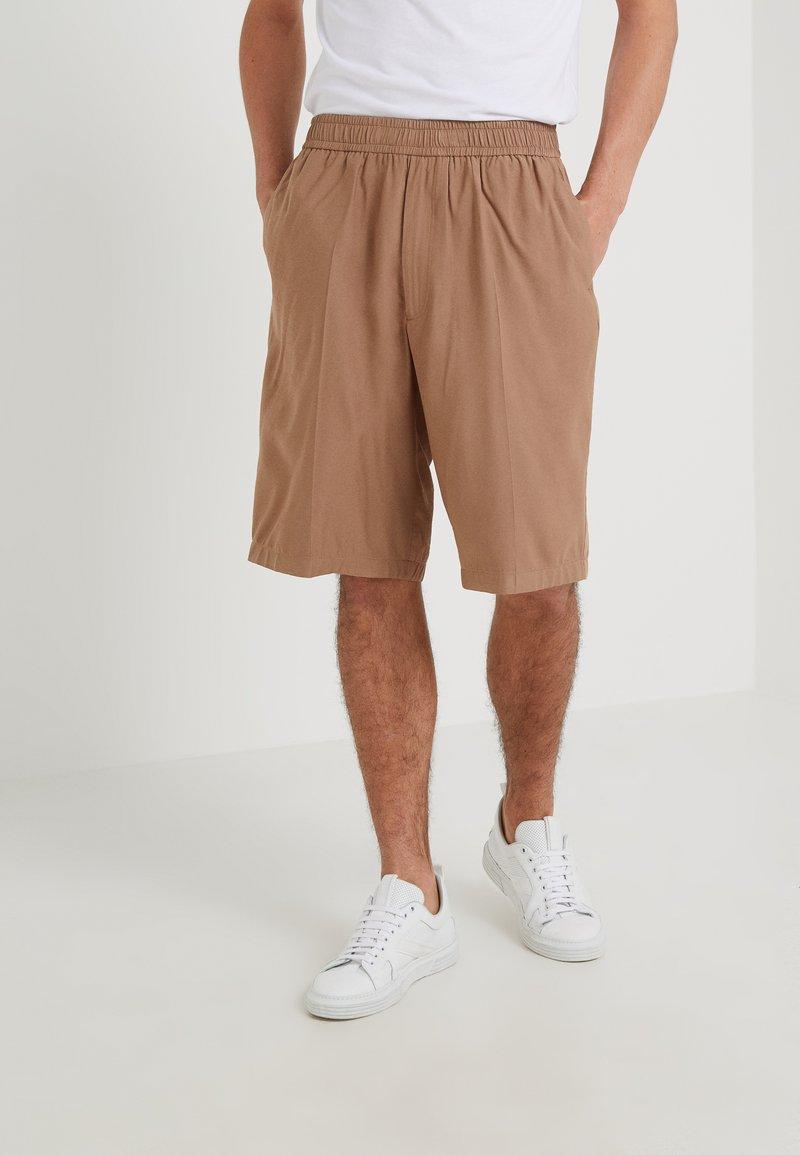 Joseph - PORT - Shorts - camel