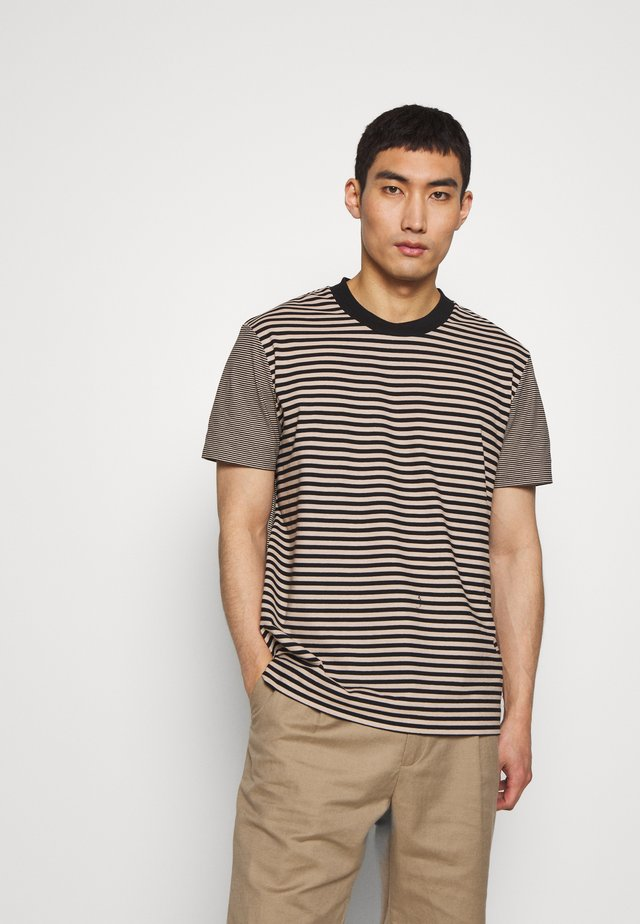 CREW STRIPED - Print T-shirt - camel combo