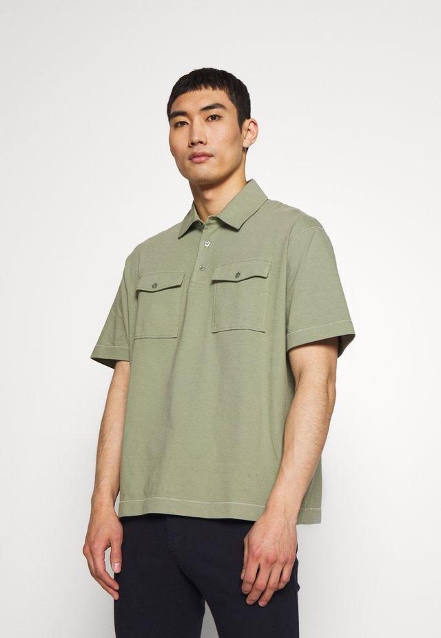 HEAVY - Poloskjorter - khaki