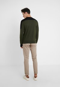 Joseph - BLOCK  - Strickpullover - military - 2