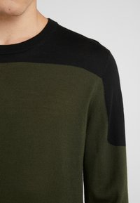 Joseph - BLOCK  - Strickpullover - military - 5