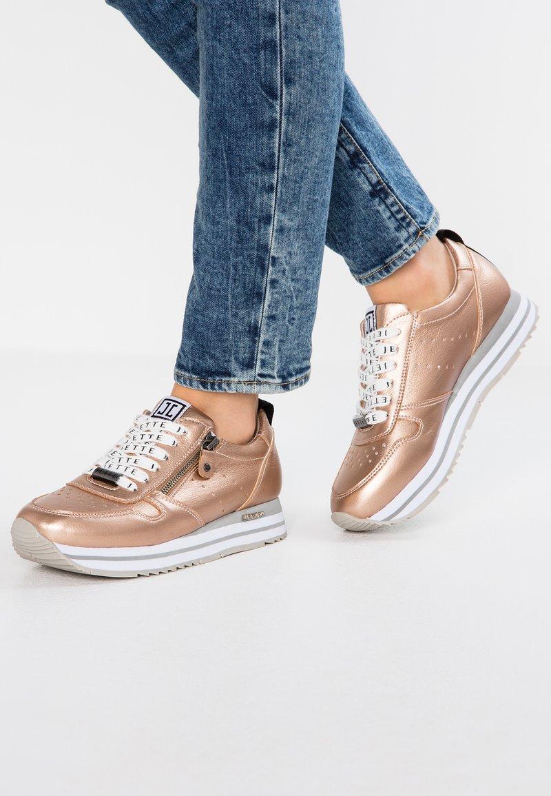 JETTE - Sneakersy niskie - copper