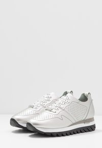 JETTE - Trainers - silver - 4
