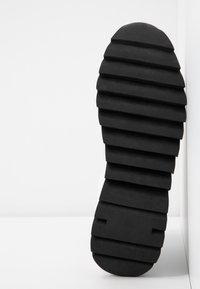 JETTE - Platform ankle boots - white - 6