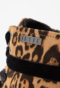 JETTE - Kotníkové boty na platformě - taupe - 2