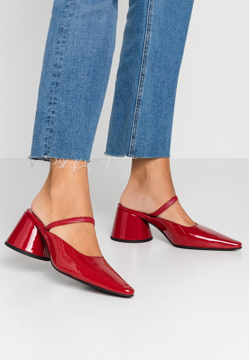 Jeffrey Campbell - Heeled mules - red