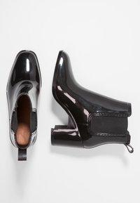 Jeffrey Campbell - HURRICANE - Gummistøvler - black shiny - 3
