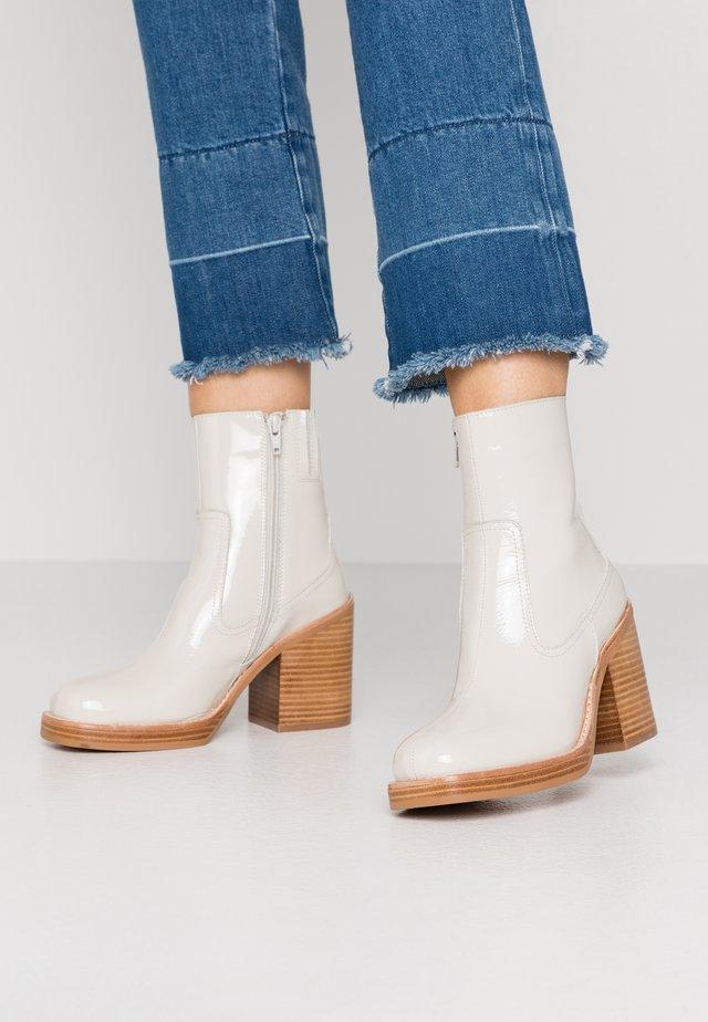MAXEN - High heeled ankle boots - bone