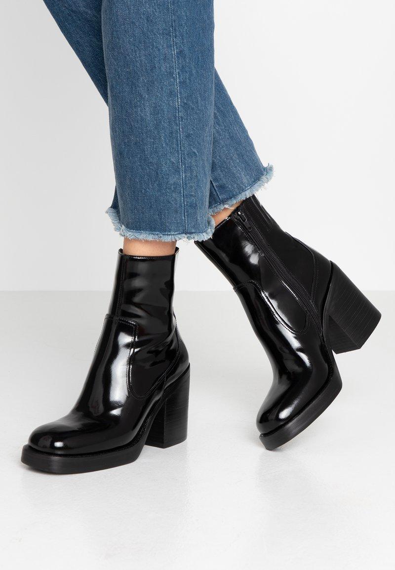 Jeffrey Campbell - MAXEN - Kotníková obuv na vysokém podpatku - black box