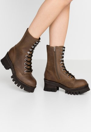 SYCAMORE - Platform ankle boots - brown