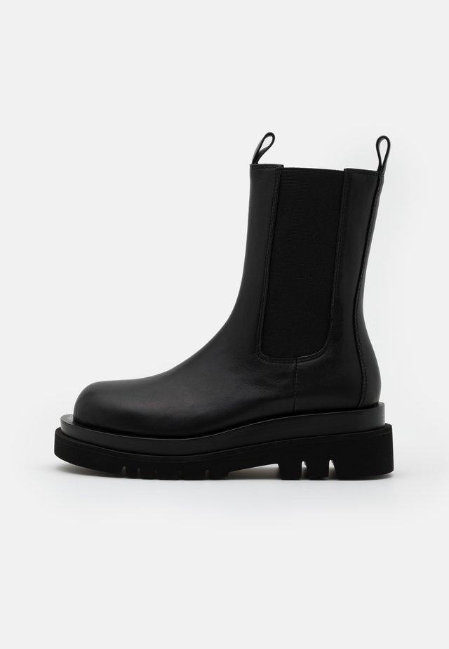 TANKED - Platform boots - black