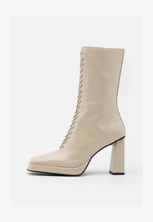 TESTINO - High Heel Stiefel - ivory box