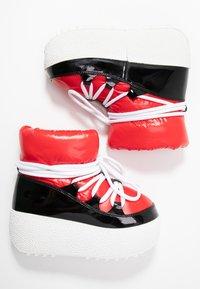 Jeffrey Campbell - SNOWIES - Kotníkové boty na platformě - black/red - 3